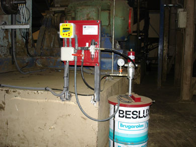Progressive centralised lubrication system with an Alemite pump H series for 50 Kgs. drum